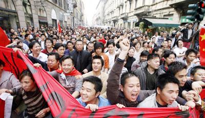 Evasione fiscale dei cinesi in Italia: Triadi e miliardi di euro evasi