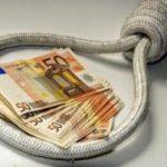 Equitalia chiude: cosa succede alle cartelle e ai debiti