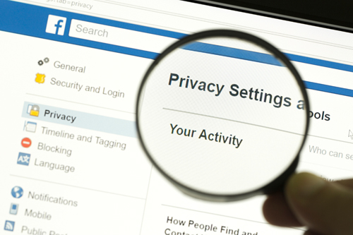 FACEBOOK la Privacy Secondo Mark Zuckerberg ecco Cosa Cambia