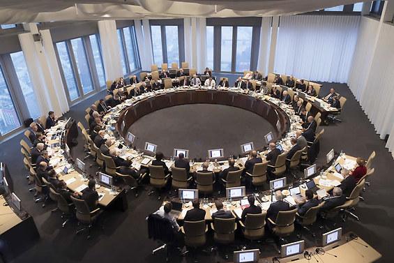 """La BCE esorta la Germania e Olanda a toccare """"margine di manovra fiscale"""""""